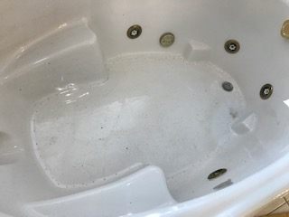 1_whirlpool_tub_before